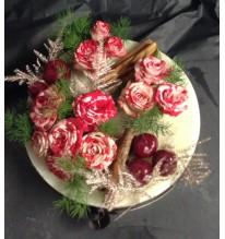 Gâteau florale bordeaux et cannelle