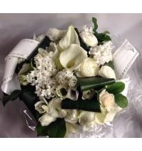 Bouquet rond blanc en bulle d'eau